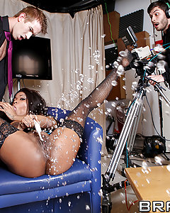 Kiki Minaj has a really particular kink: she needs to have a really clean pussy, all the time. Her horny hygiene rituals are so interesting they land her on Danny D's talk show of weird habits. Once she's there, she can't resist getting dirty with her host, even if it means fucking live on prime-time television.