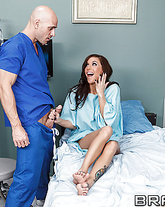 Gia is a patient recovering from a near fatal accident. Johnny is the lucky male nurse whose job is to help the beautiful woman. Ever-grateful to be alive and now taking nothing for granted, Gia's first bath since the accident will now be Johnny's best job of all time. Join Brazzers as we deliver just what the doctor ordered: a nice hot cum-bath all over Gia DiMarco!