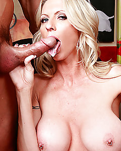 Emma Starr is passionate about art. So passionate that when Tommy begins talking to her at his art show, it doesn't take much for her to go back to his studio with him. Emma knows the best way to get what she wants from Tommy -- play on his obsession with big tits!